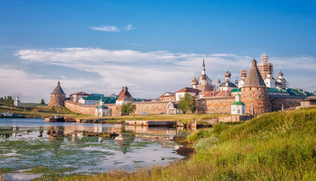 C 11 по 21 августа 2020г. организуется паломническая поездка ко святым местам на Соловецкие острова, остров Залит, Псков и Печоры